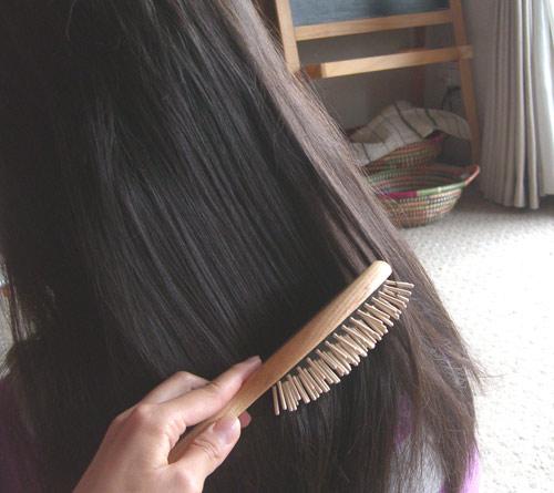 長い髪もさっとまとまる